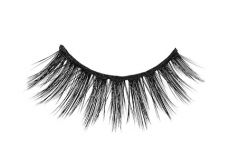 Close-up of an Ardell Mega Volume 253 faux lash for the right eye featuring its maximum volume & long length
